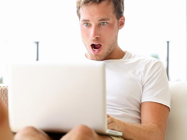 Знакомств сидят сайте какие на мужчины